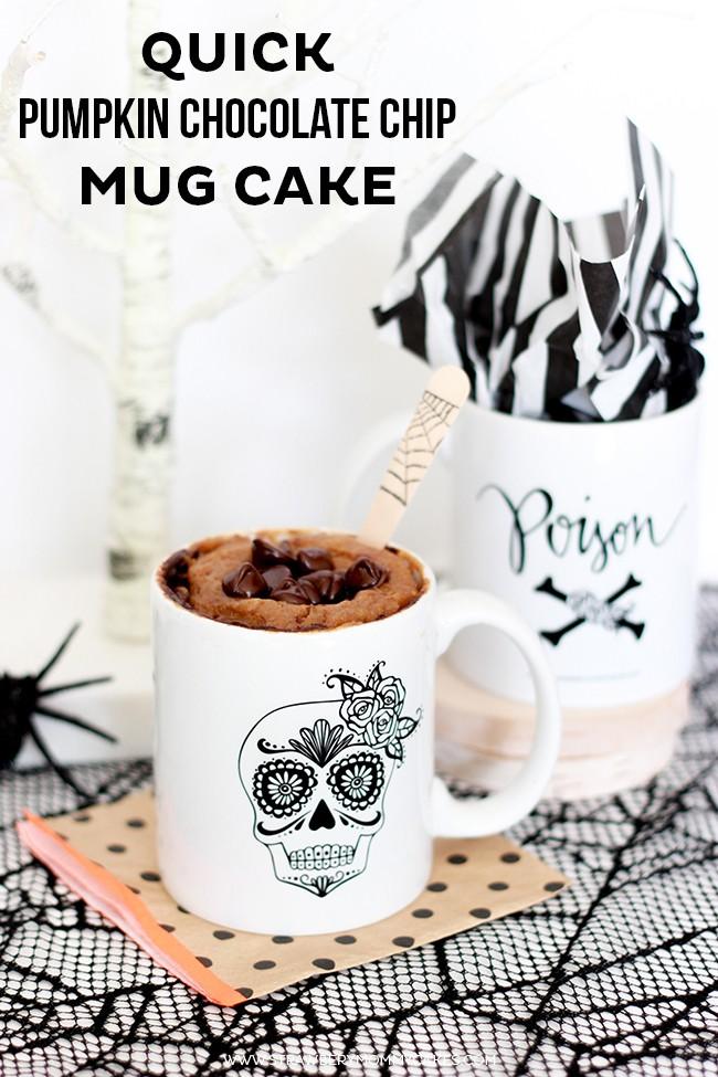 cc chocolate cake in a mug
