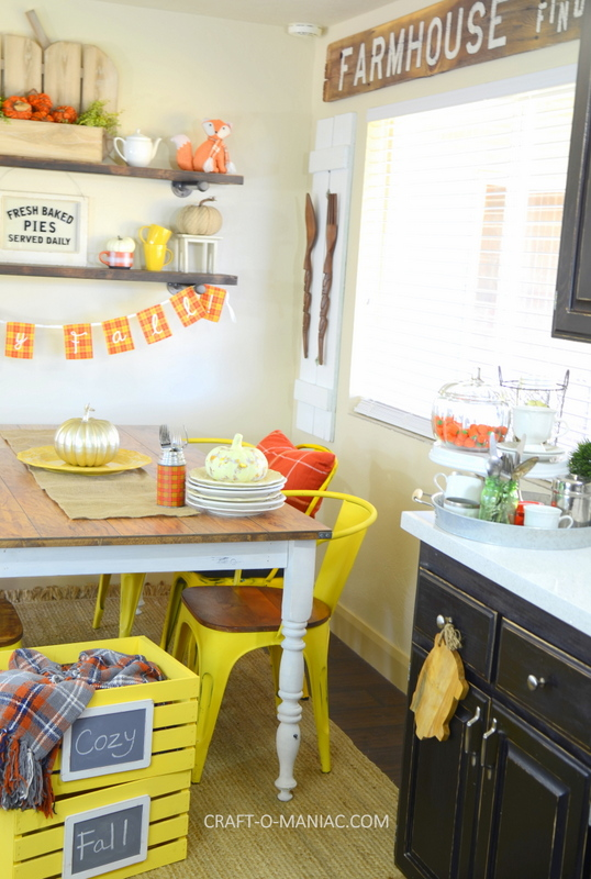 fall plaid kitchen decor18