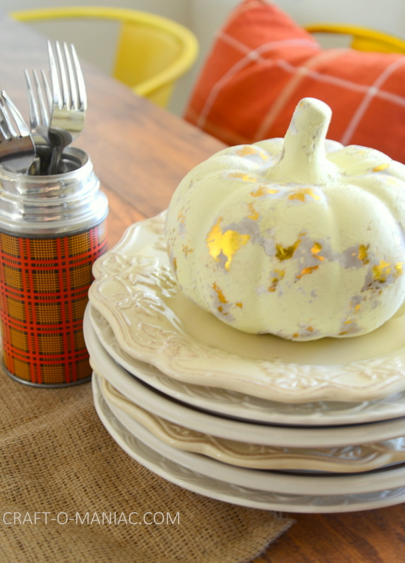 fall plaid kitchen decor28