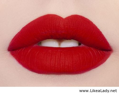 holida red lips